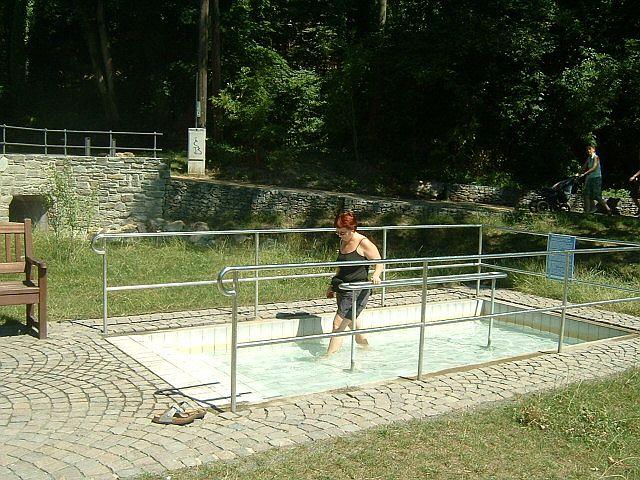 Hydrotherapie_Wassertreten_2.jpg