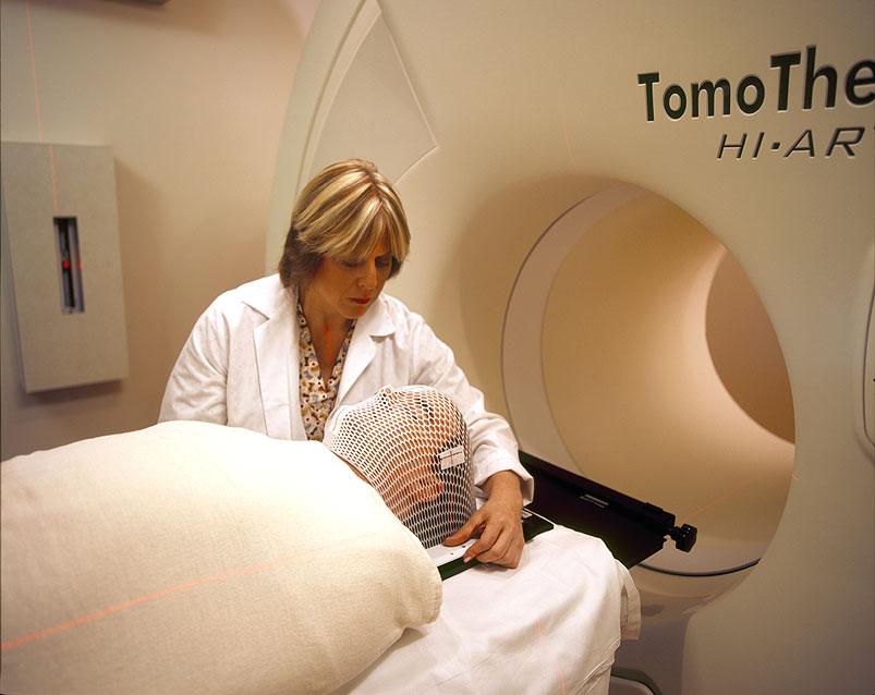 Tomotherapy_nci-vol-4478-300.jpg