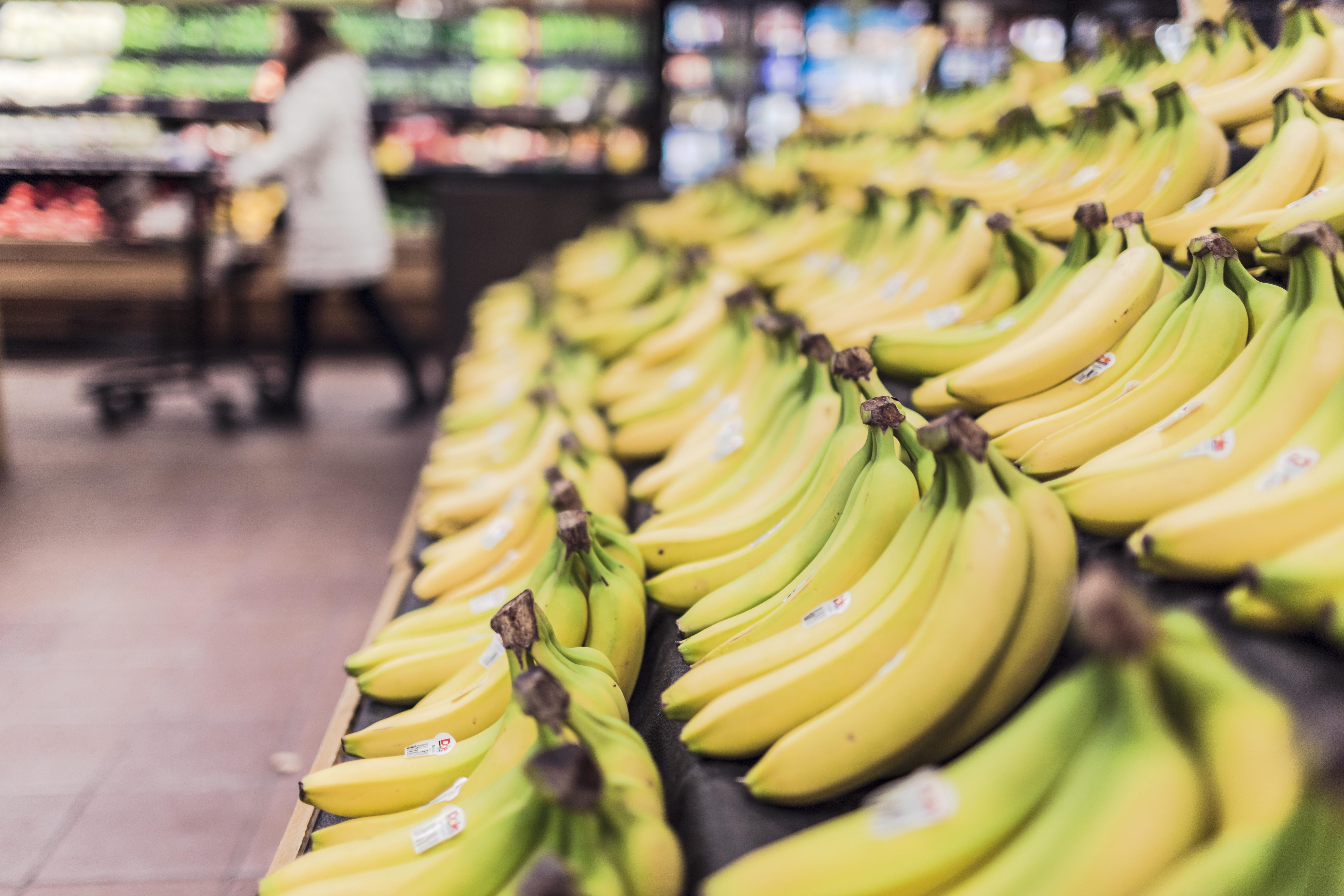 auf-diesem-bild-ist-der-obststand-eines-supermarktes.png
