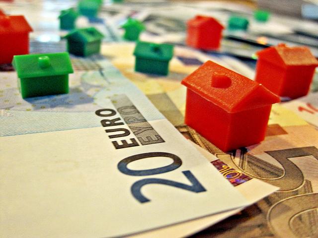 Monopolyhäuser und Geld