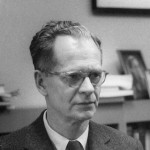"Bild: "" B.F. Skinner at  Harvard"" von silly rabbit. Lizenz: CC BY-SA 3.0"