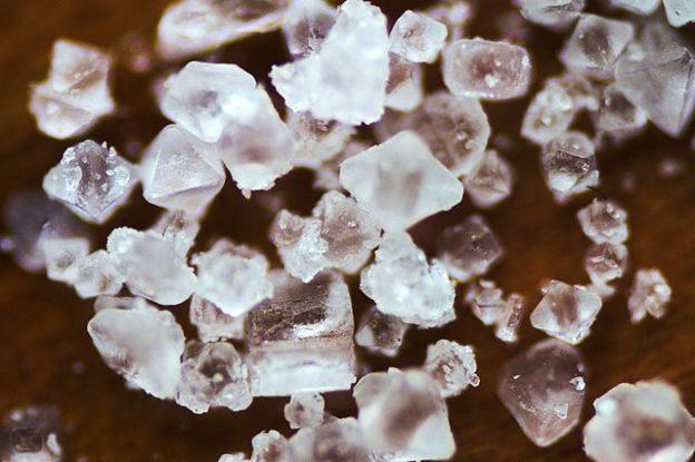 Sodium_chloride_crystals